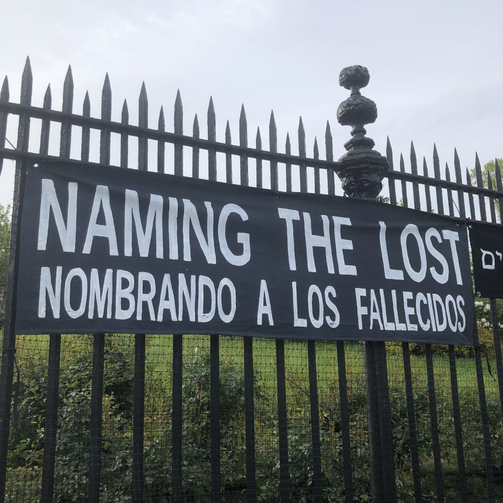 Naming The Lost / Nombrando A Los Fallecidos